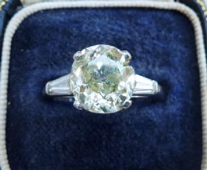 Stunning art deco platinum 3.95ct diamond solitaire engagement old and baguette cut antique ring